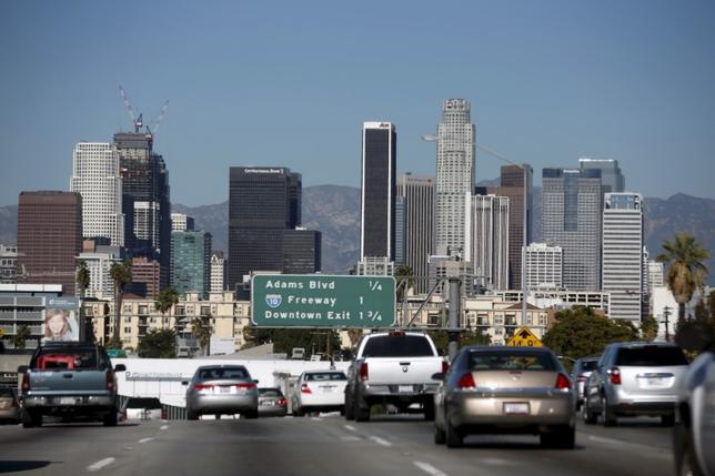 The110 freeway with the downtown Los Angeles skyline.   REUTERS/Lucy Nicholson