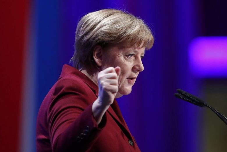 German Chancellor Angela Merkel addresses a meeting of the German Association of Local Utilitiesin Berlin, Germany, March 14, 2017.     REUTERS/Fabrizio Bensch