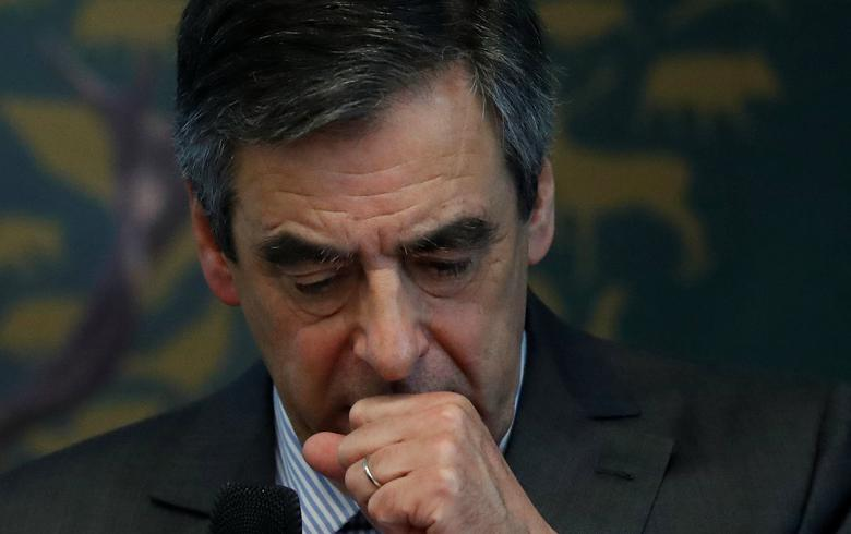 Francois Fillon, former French Prime Minister and the Republicains partry candidate in the French presidential elections, speaks at the National Federation of Hunnters General Assembly in Paris, France, March 14, 2017.   REUTERS/Christian Hartmann