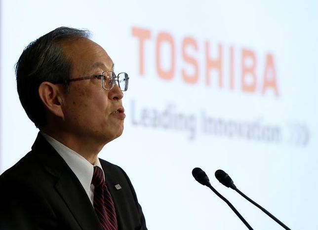 3月14日、東芝の綱川智社長(写真)は会見で、米ウエスチングハウスの米連邦破産法11条の適用申請に関し、「いろいろ選択肢はあるが具体的に決まったことはない」と述べるにとどめた。写真は14日都内で撮影(2017年 ロイター/Issei Kato)