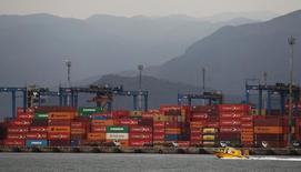 Contêineres no porto de Santos, em São Paulo 14/09/2016 REUTERS/Fernando Donasci
