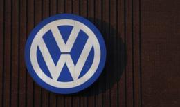 """Le parquet allemand a fait procéder à une perquisition dans les locaux de Jones Day, le cabinet juridique chargé par Volkswagen d'enquêter sur le scandale des émissions polluantes de ses moteurs diesel, ce que le constructeur allemand juge """"inacceptable"""". /Photo d'archives/REUTERS/Carl Recine"""