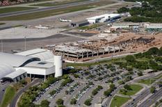 Vista aérea do aeroporto Pinto Martins, em Fortaleza. 13/04/2014  REUTERS/Davi Pinheiro