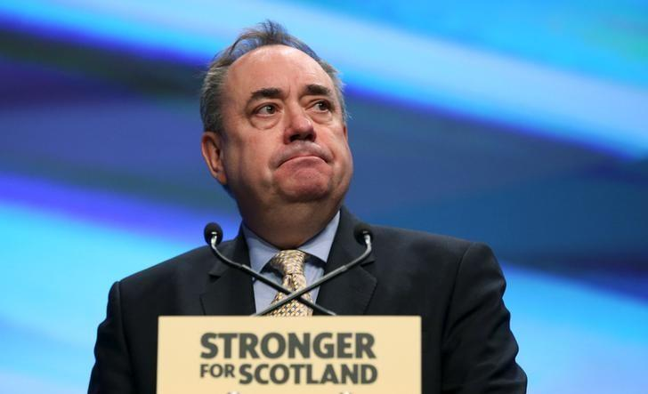 The Scottish National Party's (SNP) former leader Alex Salmond delivers his speech during the party's annual conference in Aberdeen, Scotland October 16, 2015. REUTERS/Russell Cheyne/Files