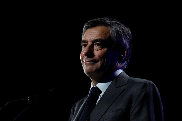 Francois Fillon, former French Prime Minister, member of the Republicans political party and 2017 presidential election candidate of the French centre-right delivers a speech at a campaign rally in Caen, France March 16, 2017. REUTERS/Philippe Wojazer