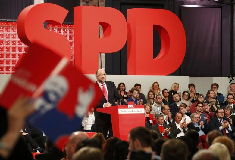 Incoming Social Democratic Party (SPD) leader and candidate in the upcoming general elections Martin Schulz addresses an SPD party convention in Berlin, Germany, March 19, 2017.     REUTERS/Fabrizio Bensch