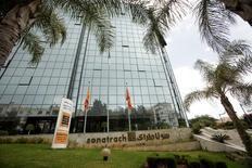 مقر شركة سوناطراك في الجزائر العاصمة يوم 26 يونيو حزيران 2016. تصوير: رمزي بودينا - رويترز.