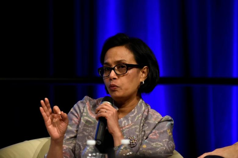 Indonesian Finance Minister Sri Mulyani Indrawati speaks on a panel at the annual meetings of the IMF and World Bank Group in Washington October 7, 2016. REUTERS/James Lawler Duggan - RTSRAOA
