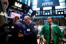 La Bourse de New York a fini en net repli mardi. Le Dow Jones a cédé 1,14%, le S&P-500 a perdu 1,24% et le Nasdaq Composite a reculé de son côté de 1,83%. /Photo prise le 21 mars 2017/REUTERS/Lucas Jackson