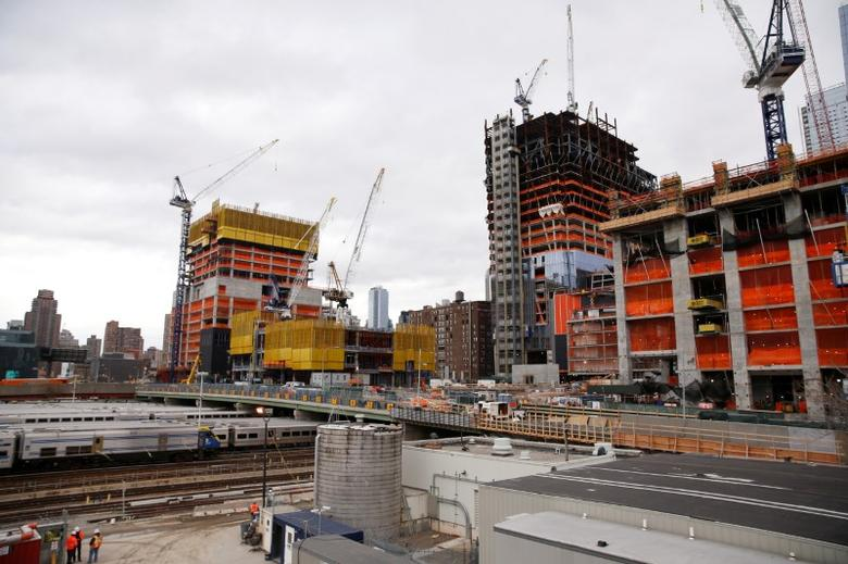 FILE PHOTO: Construction is seen in the Hudson Yards area of the West Side of Manhattan in New York U.S., November 21, 2016. REUTERS/Shannon Stapleton