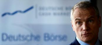 Carsten Kengeter, PDG de Deutsche Börse. La CE va opposer formellement son veto au projet de fusion entre le London Stock Exchange Group et Deutsche Börse, a-t-on appris mercredi auprès de quatre sources proches du dossier. /Photo d'archives/REUTERS/Kai Pfaffenbach