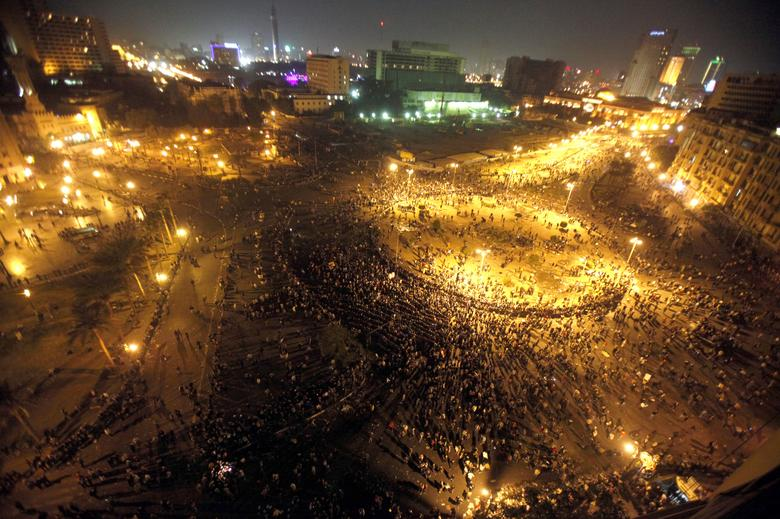 A general view shows Tahrir Square as Egyptian riot policemen try to disperse protesters in Cairo November 20, 2011. REUTERS/Mohamed Abd El-Ghany