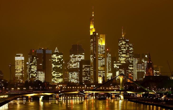 FILE PHOTO: The famous skyline with its banking district is pictured in early evening next to the Main River in Frankfurt, Germany, January 19, 2016.     REUTERS/Kai Pfaffenbach/File Photo