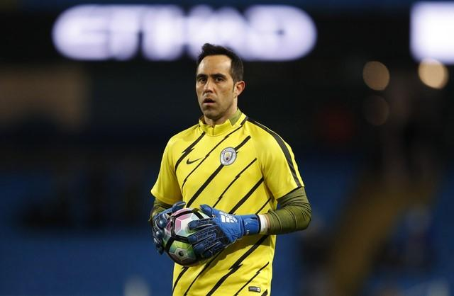 Britain Football Soccer - Manchester City v Stoke City - Premier League - Etihad Stadium - 8/3/17 Manchester City's Claudio Bravo warms up before the match  Reuters / Phil Noble Livepic