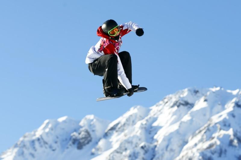 snowboard canada 39 s mcmorris in hospital after backcountry. Black Bedroom Furniture Sets. Home Design Ideas