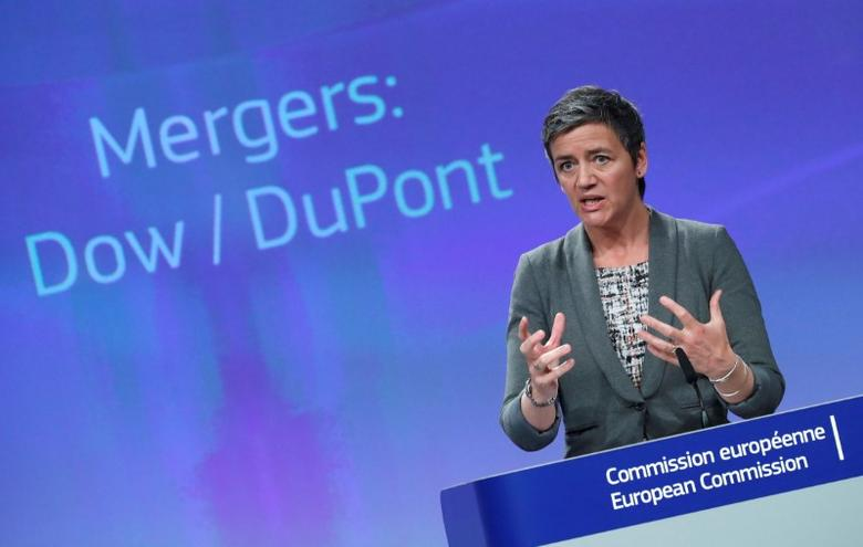 European Competition Commissioner Margrethe Vestager holds a news conference after Dow Chemical gained conditional EU antitrust approval on Monday for their $130 billion merger by agreeing to significant asset sales, one of a trio of mega mergers that will redraw the agrochemicals industry, in Brussels, Belgium March 27, 2017.  REUTERS/Yves Herman