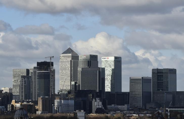 资料图片:2016年2月,伦敦金丝雀码头金融中心。REUTERS/Hannah McKay