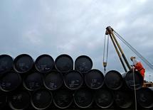 Трубы для проекта Pengerang Gas Pipeline Project в Джохоре 4 февраля 2015 года. Высший административный суд Италии в понедельник дал зеленый свет строительству стратегического Трансадриатического трубопровода (ТАП) для поставок газа из Азии в Европу, отклонив апелляцию региональных властей.    REUTERS/Edgar Su/File Photo