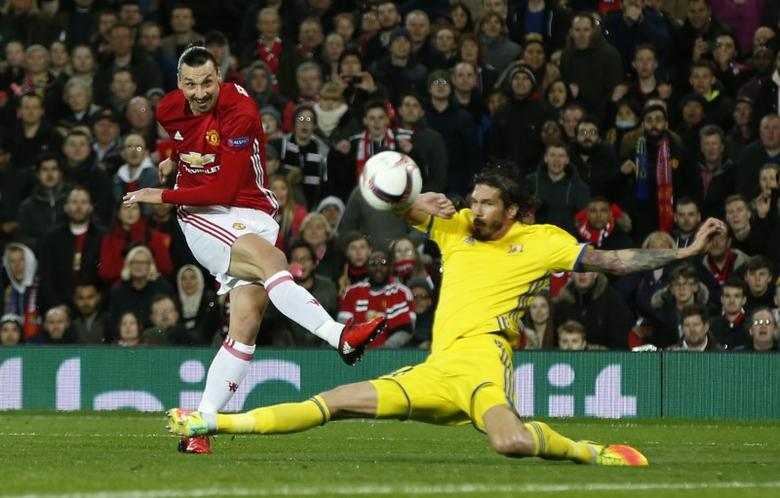 Manchester United v FC Rostov - Europa League Round of 16 Second Leg - Old Trafford, Manchester, England - 16/3/17 Manchester United's Zlatan Ibrahimovic shoots against the post Reuters / Andrew Yates Livepic