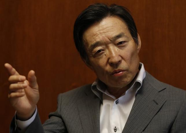 3月30日、日銀の岩田規久男副総裁(写真)は参院財政金融委員会で、現行の「長短金利操作付き量的・質的金融緩和」の推進で物価2%目標の実現は可能とし、金融緩和手段として米国債を購入する必要はない、と語った。写真は都内で2013年6月撮影(2017年 ロイター/Toru Hanai)