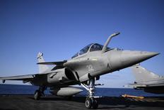 La Malaisie ne discute qu'avec Dassault Aviation pour un éventuel achat d'avions de combat, a déclaré jeudi le porte-parole du gouvernement français, Stéphane Le Foll. /Photo d'archives/REUTERS/Stéphane de Sakutin