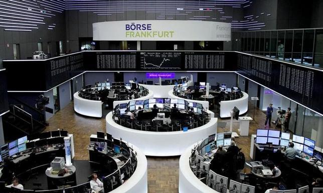 3月30日、ドイツ西部ヘッセン州政府のシェーファー財務相は、ドイツ取引所とロンドン証券取引所グループの合併計画が欧州当局により却下されたことを受け、米国の取引所による買収に対し懸念を示した。写真はフランクフルト証券取引所、1月撮影(2017年 ロイター)