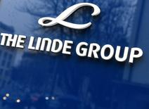 Linde Group logo is seen at company building before the annual news conference in Munich, Germany March 9, 2017. REUTERS/Lukas Barth