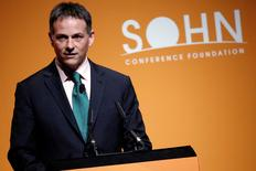 FILE PHOTO -- David Einhorn, president of Greenlight Capital speaks at the Sohn Investment Conference in New York City, U.S. May 4, 2016. REUTERS/Brendan McDermid/File Photo