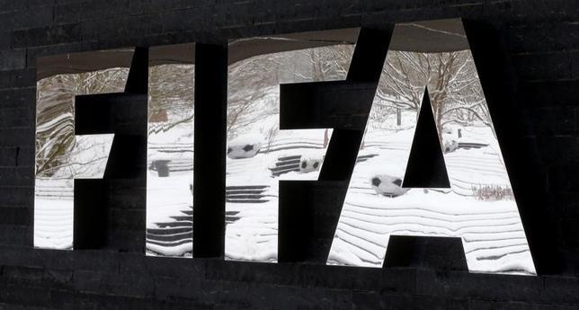 3月30日、国際サッカー連盟(FIFA)はワールドカップ(W杯)の出場国を48カ国に拡大する際の各大陸出場枠の案を発表した。アジア枠は現行の4.5から8に拡大した。1月撮影(2017年 ロイター/Arnd Wiegmann)