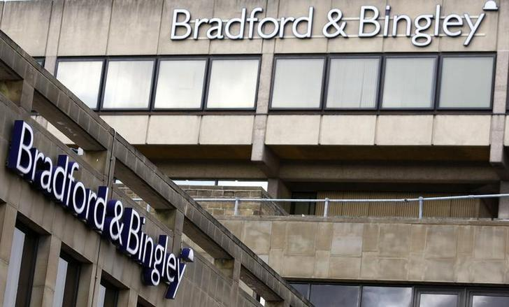 A branch of Bradford & Bingley is seen in Bingley, northern England, September 29, 2008.  REUTERS/Phil Noble/File Photo