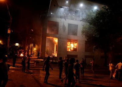 Paraguay faces constitutional crisis