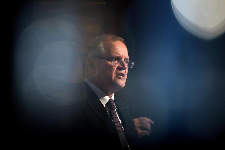 Australian Federal Treasurer Scott Morrison delivers an address to a banking and wealth summit, in Sydney, Australia, April 6, 2017.     AAP/Dan Himbrechts/via REUTERS