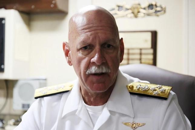 4月6日、スウィフト米海軍太平洋艦隊司令官(写真)は、都内でロイターなどとのインタビューに応じ、米国の対北朝鮮政策について、外交的・経済的な手段では期待したような成果が出なかったと述べた。写真は山東省で昨年8月撮影(2017年 ロイター/Paul Carsten)