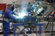 Les commandes à l'industrie se sont nettement redressées en février, après leur net recul du mois précédent. Le ministère de l'Economie allemand a annoncé une hausse de 3,4% de ces commandes jeudi. /Photo d'archives/REUTERS/Vincent Kessler