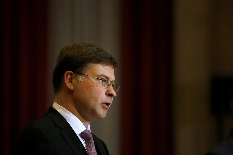 European Commission Vice-President Valdis Dombrovskis and Portugal's Finance Minister Mario Centeno (not pictured) hold a news conference at Finance Ministry in Lisbon, Portugal, February 24, 2017. REUTERS/Pedro Nunes