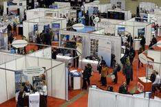 Overhead view of the 2014 Spring National Job Fair and Training Expo in Toronto, April 3, 2014. REUTERS/Aaron Harris  (CANADA - Tags: BUSINESS EMPLOYMENT) - RTR3KBZT