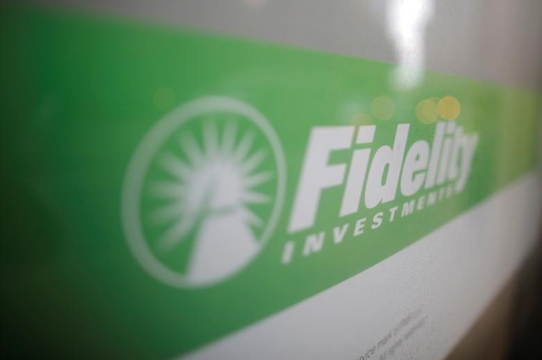 A sign marks a Fidelity Investments office in Boston, Massachusetts, U.S. September 21, 2016.     REUTERS/Brian Snyder/File Photo