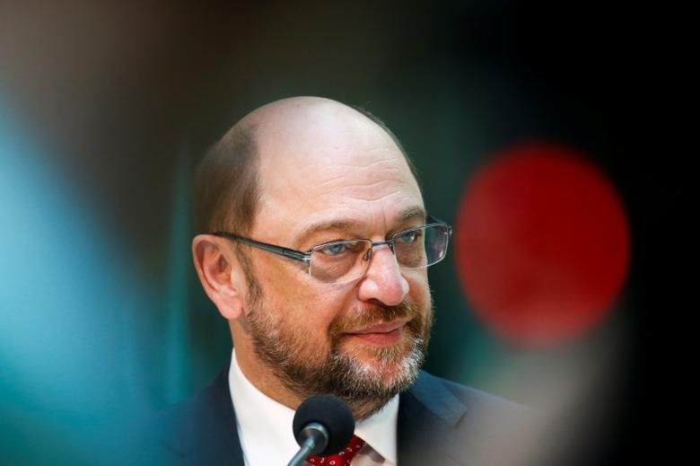 Social Democratic Party (SPD) leader Martin Schulz gives a statement after meeting Benoit Hamon, French Socialist party 2017 presidential candidate in Berlin, Germany, March 28, 2017.  REUTERS/Fabrizio Bensch/File Photo