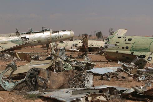 Retaking Raqqa military airport from Islamic State