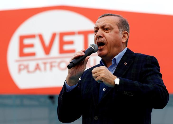 Turkish President Tayyip Erdogan addresses his supporters during a rally for the upcoming referendum in Istanbul, Turkey, April 8, 2017. REUTERS/Murad Sezer/File Photo