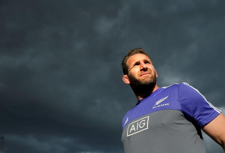 FILE PHOTO - The New Zealand All Blacks rugby team captain Kieran Read walks under cloudy skies during a team training session in Sydney, Australia, August 19, 2016, before their first Bledisloe Cup game against Australia's Wallabies on Saturday. REUTERS/Jason Reed
