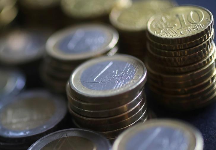 An illustration picture shows euro coins, April 8, 2017.  REUTERS/Kai Pfaffenbach