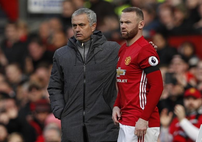 Britain Soccer Football - Manchester United v West Bromwich Albion - Premier League - Old Trafford - 1/4/17 Manchester United's Wayne Rooney prepares to come on as a substitute as Manchester United manager Jose Mourinho looks on Action Images via Reuters / Lee Smith Livepic