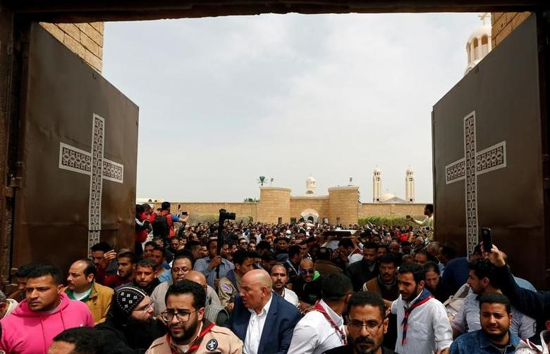 Egyptians attend the funeral of the victims of the Palm Sunday bombings at Monastery of Saint Mina ''Deir Mar Mina'' in Alexandria, Egypt April 10, 2017. REUTERS/Amr Abdallah Dalsh