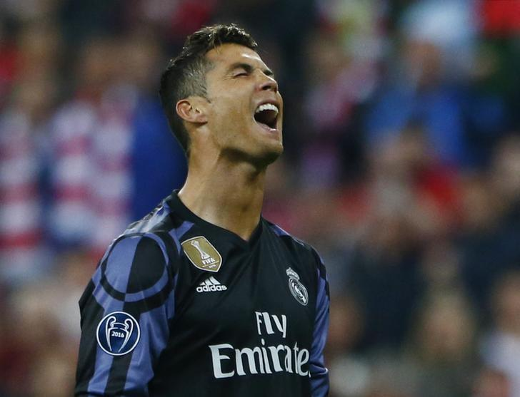 Football Soccer - Bayern Munich v Real Madrid - UEFA Champions League Quarter Final First Leg - Allianz Arena, Munich, Germany - 12/4/17 Real Madrid's Cristiano Ronaldo looks dejected  Reuters / Michaela Rehle Livepic