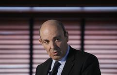 Le PDG de Dassault Aviation, Eric Trappier (photo), premier actionnaire de Thales, a déclaré jeudi à Reuters qu'il n'était pas du tout favorable à une coentreprise entre Thales et Alstom dans le ferroviaire. /Photo d'archives/REUTERS/Christian Hartmann