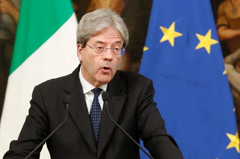 Italian Prime Minister Paolo Gentiloni talks to the media at Chigi Palace in Rome, Italy April 7, 2017. REUTERS/Remo Casilli