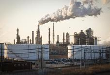 The Philadelphia Energy Solutions oil refinery owned by The Carlyle Group is seen in Philadelphia March 24, 2014. Picture taken March 24, 2014.        To match OIL-ETHANOL/LOBBY       REUTERS/David M. Parrott  (UNITED STATES - Tags: ENERGY POLITICS BUSINESS COMMODITIES)