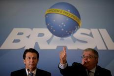Parlamentares Arthur Maia (E) e Carlos Marun (R) no Palácio do Planalto  11/4/2017     REUTERS/Ueslei Marcelino