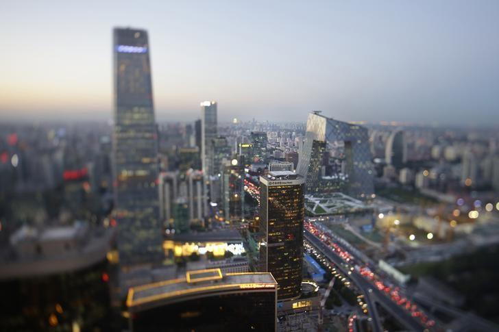资料图片:2014年9月,中国北京,中央商务区高楼林立。REUTERS/Jason Lee